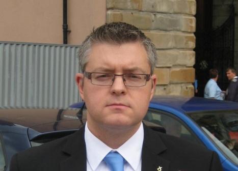 Stuart Serious